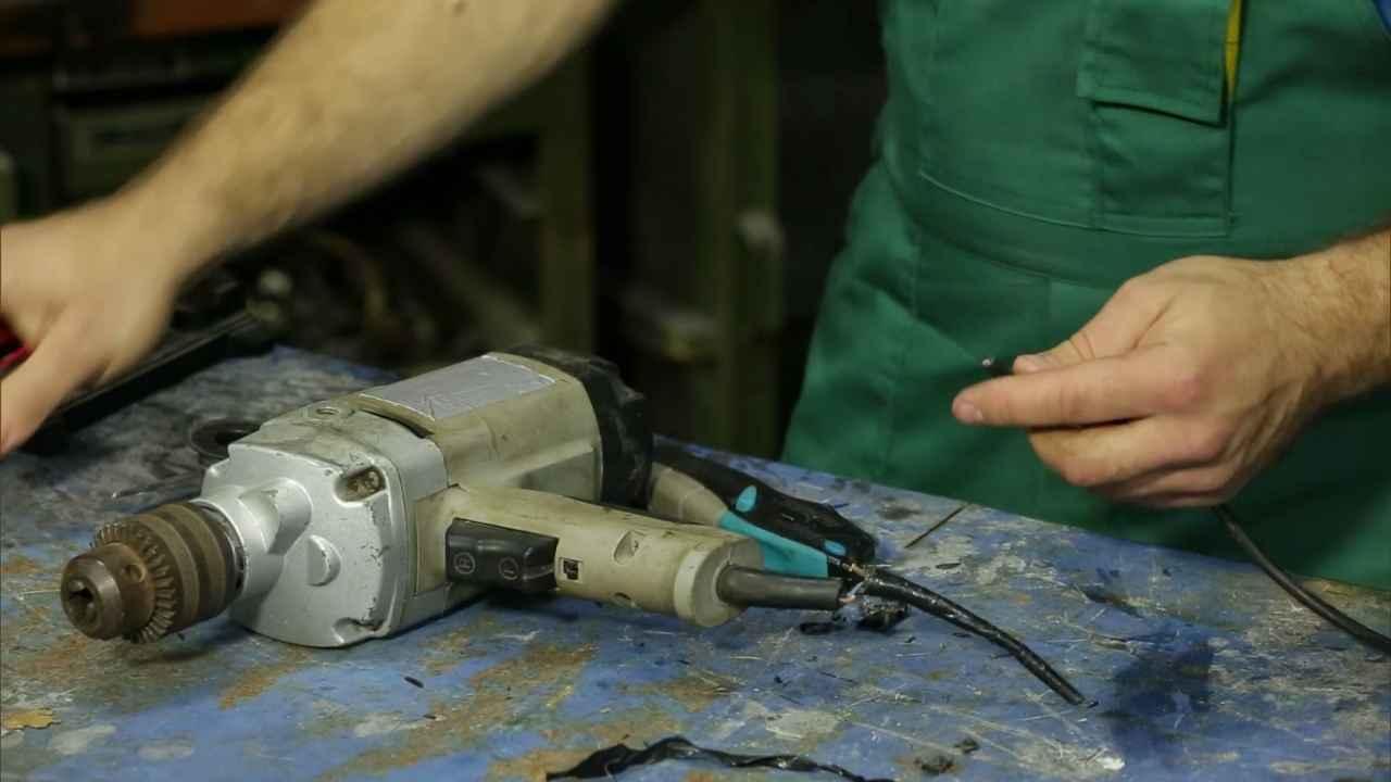 Как отремонтировать шнур питания у электроприборов