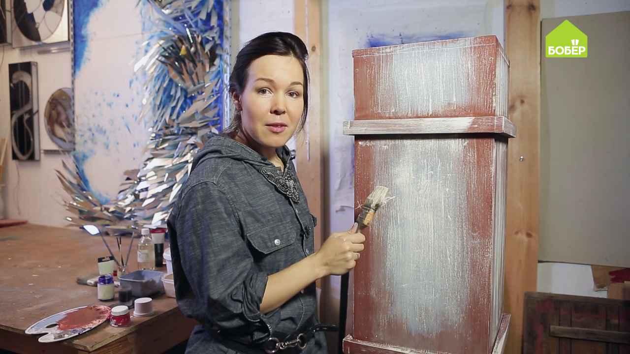 Покраска деревянного ящика в три слоя