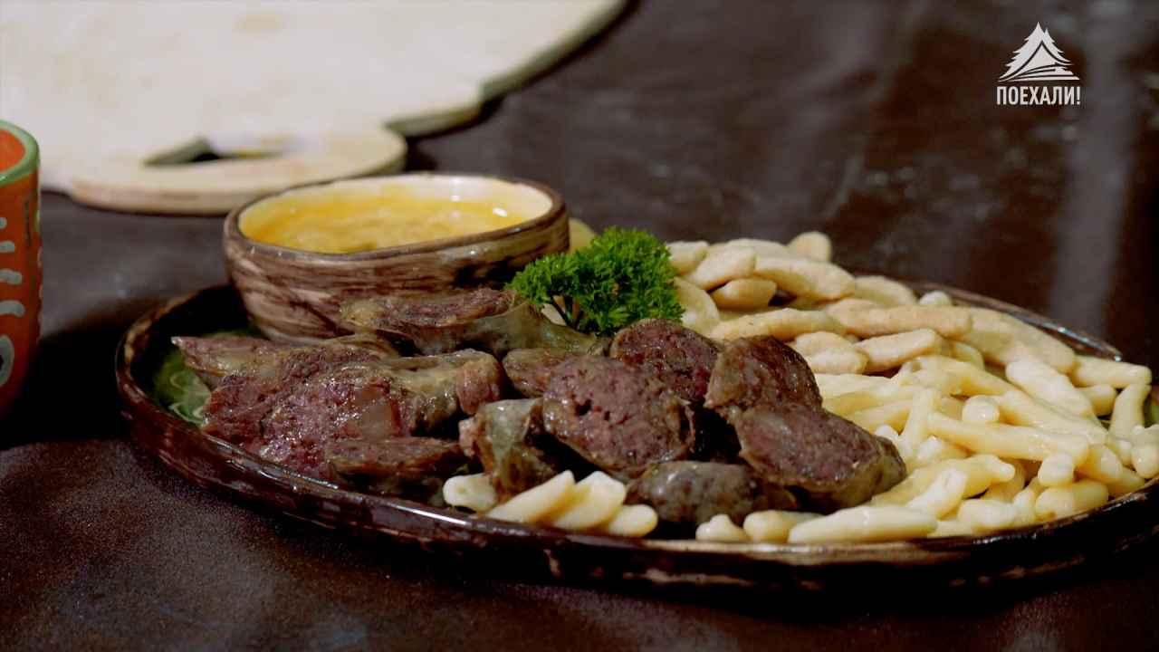 Домашняя сушёная колбаса с галушками