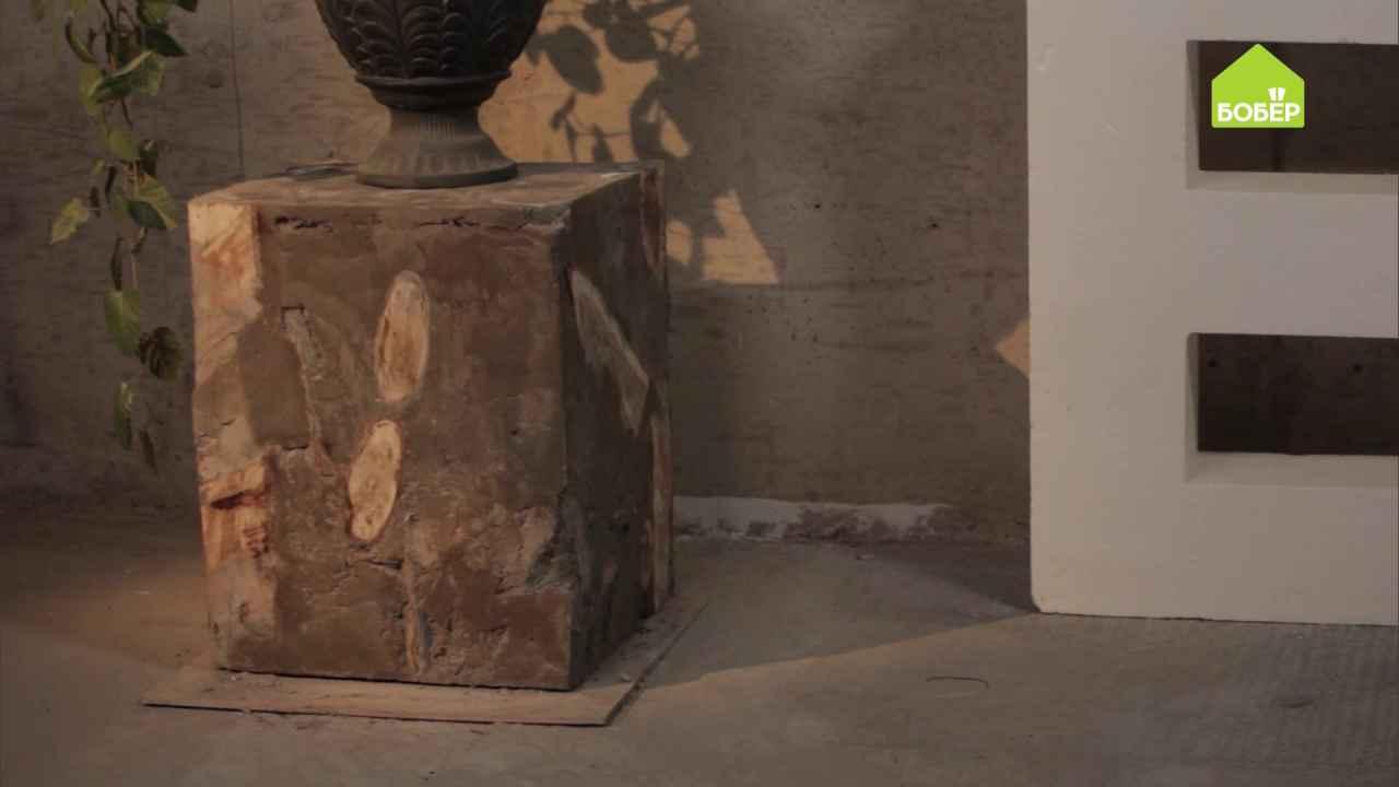 Декоративная тумба из брёвен и бетона