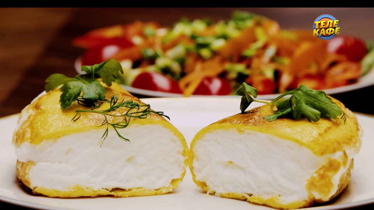 Омлет «Пуляр» с салатом из свежих овощей
