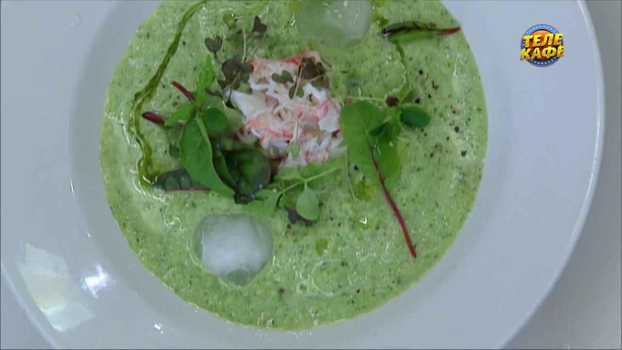 Холодный огуречный суп с крабовым мясом